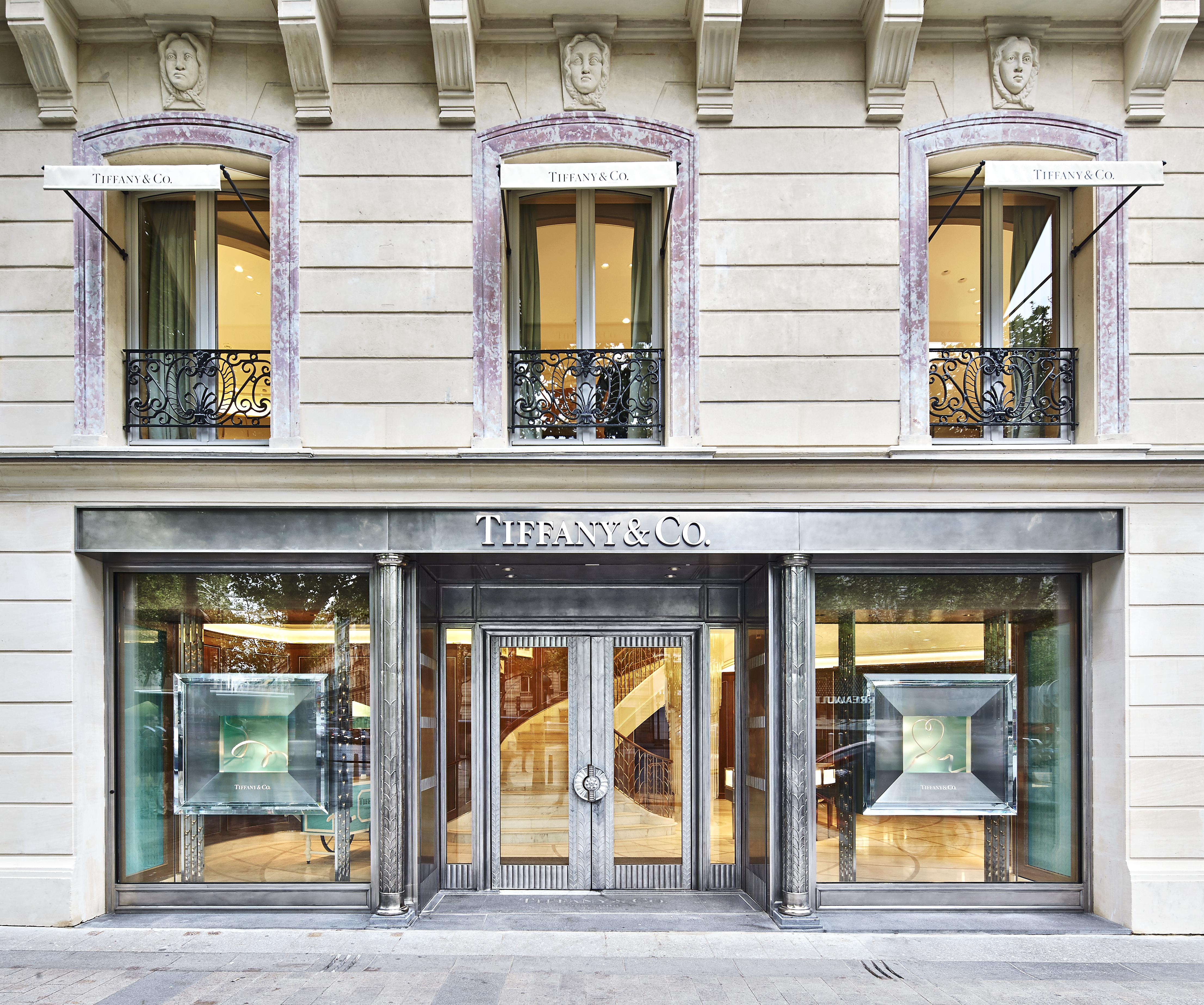 The new fa 231 ade of tiffany s store on 62 avenue des champs elys 233 es